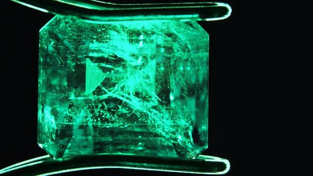 Emerald ghép đôi